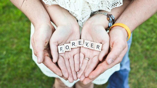 永遠を誓うカップル